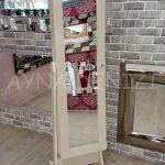 Krem Renk Ayaklı Boy Aynalı Takı Dolabı-5