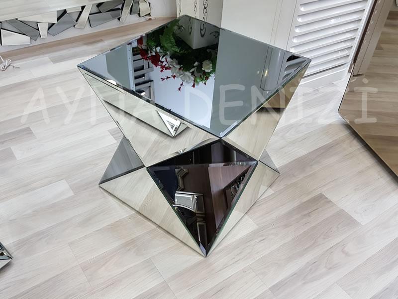 Diagonal Model Aynalı Yan Sehpa