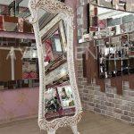 Bihter Model Eskitme Beyaz Renk Ayaklı Boy Aynası-1