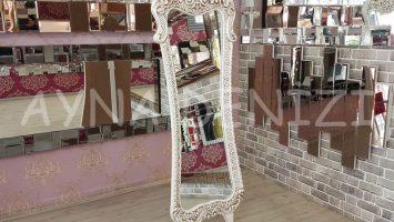 Bihter Model Eskitme Beyaz Renk Ayaklı Boy Aynası
