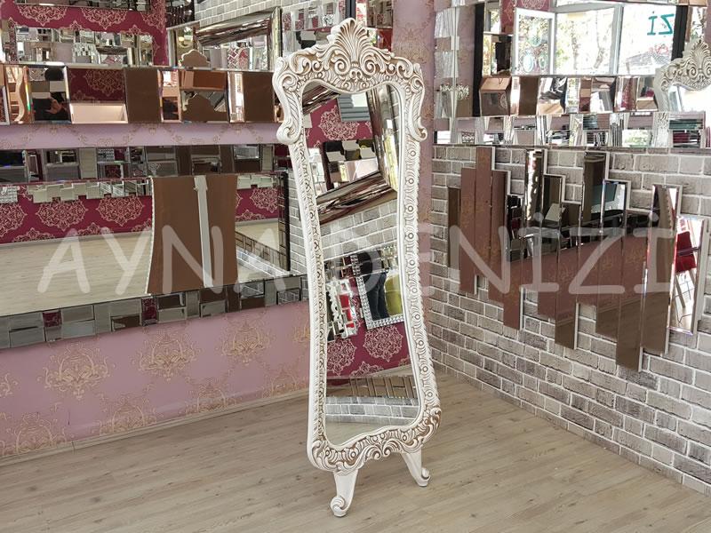 Bihter Model Eskitme Beyaz Renk Ayaklı Boy Aynası-2