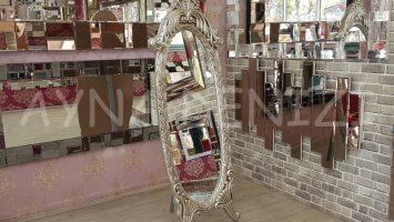 Zarif Model Gümüş Renk Ayaklı Boy Aynası