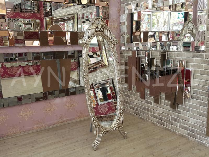 Zarif Model Gümüş Renk Ayaklı Boy Aynası-3