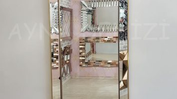 Ayna Çerçeveli Model Eskitme Altın Renk Boy Aynası