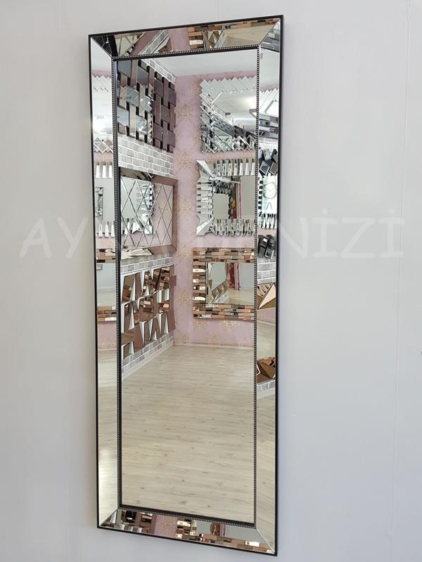 Ayna Çerçeveli Model Siyah Renk Boy Aynası