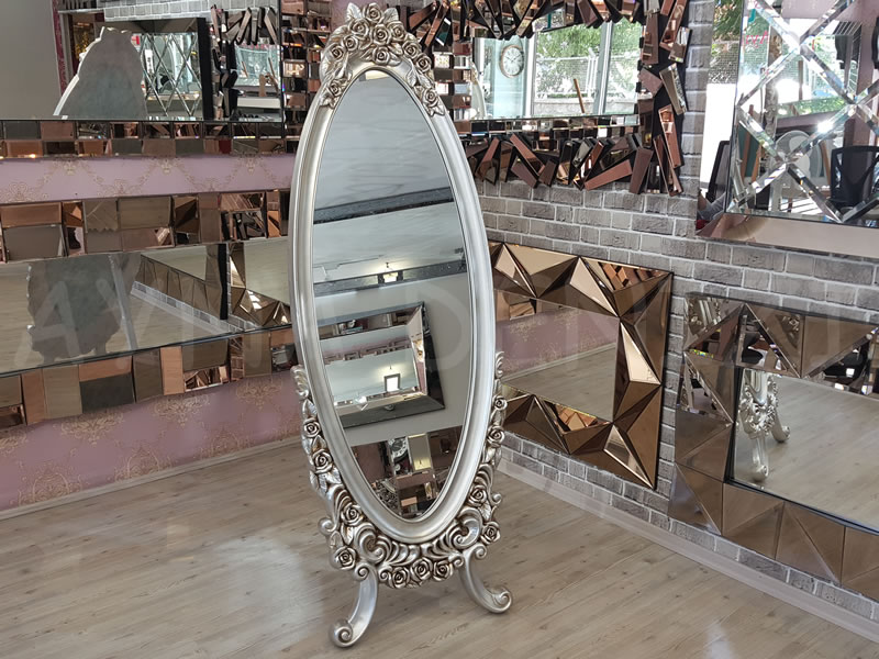 Selvi Model Gümüş Renk Ayaklı Boy Aynası