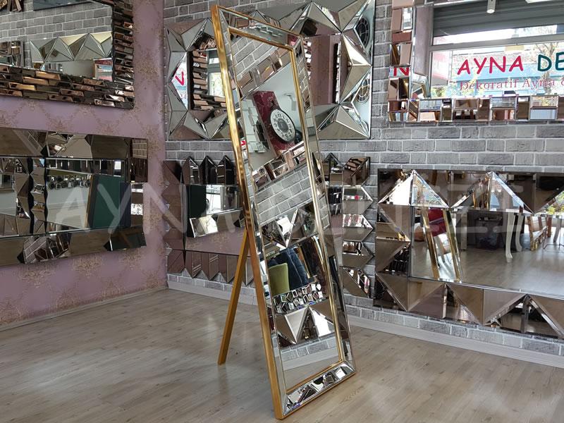 Ayna Çerçeveli Model Altın Renk Ayaklı Boy Aynası