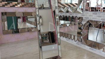 Ayna Çerçeveli Model Eskitme Gümüş Renk Ayaklı Boy Aynası