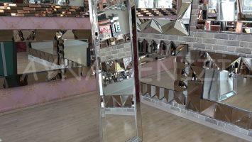 Ayna Çerçeveli Model Gümüş Renk Ayaklı Boy Aynası