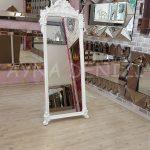 Vintage Madam Model Beyaz Renk Ayaklı Boy Aynası-8