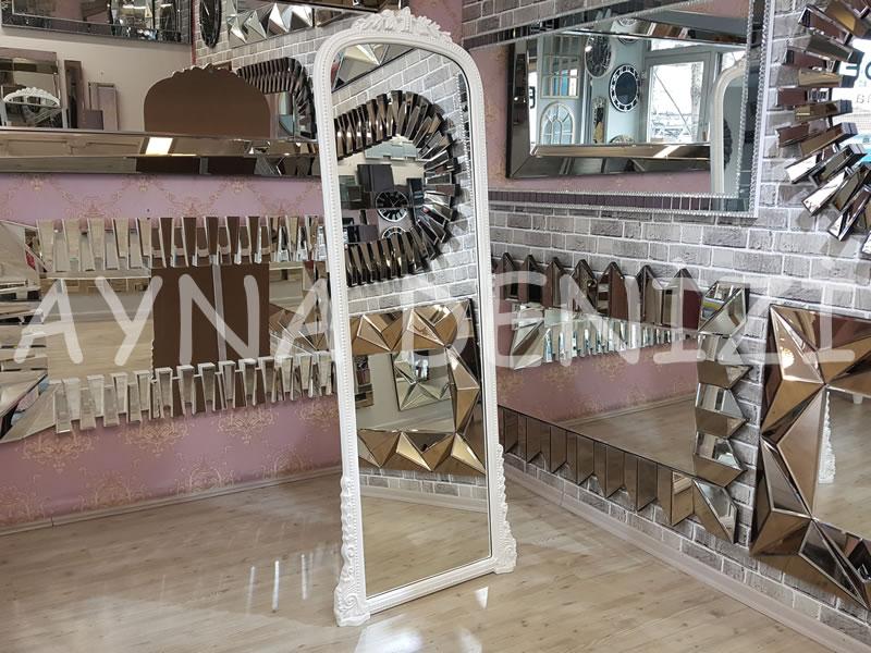 Matmazel Model Beyaz Renk Ayaklı Boy Aynası
