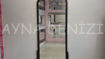 Sinyora Model Siyah Renk Boy Aynası