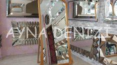 Sinyora Model Altın Renk Ayaklı Boy Aynası